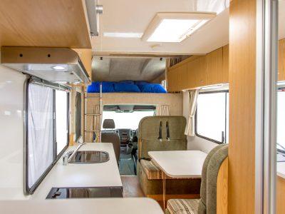 Camping Car Apollo Euro Deluxe en Australie - espace de vie