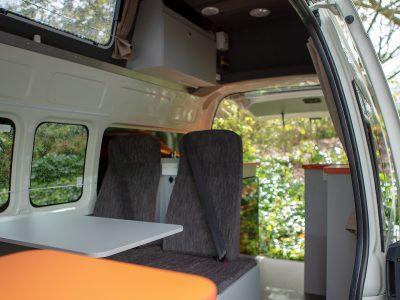 Van Travellers Autobarn Hi5 Camper en Australie - espace de vie